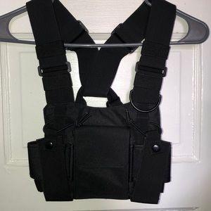 Trendy Utility Vest 🖤